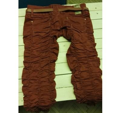 Raztegljive hlače