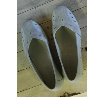 Ženski čevelj
